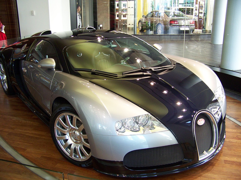 bugatti veyron the fastest street legal car in the world all ontario. Black Bedroom Furniture Sets. Home Design Ideas