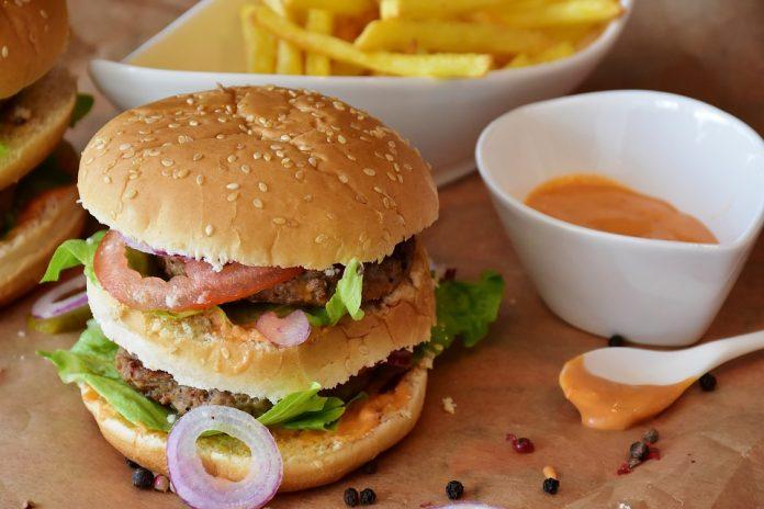 High-fat diet postponing brain aging