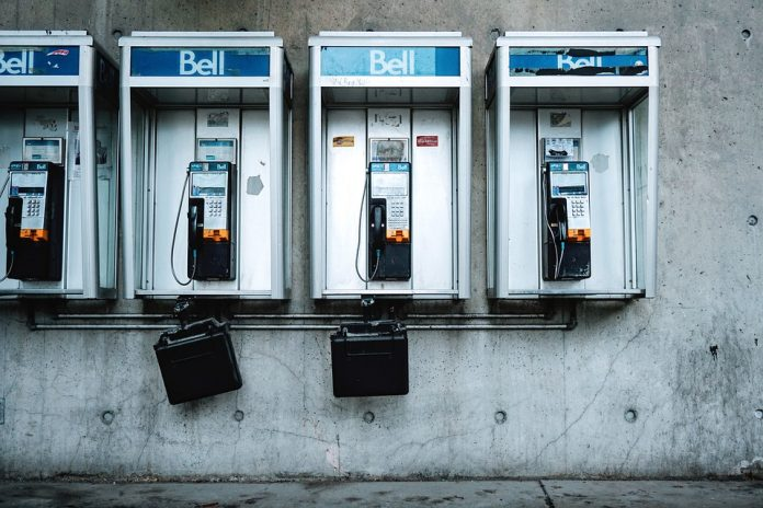 Payphones in the Canadian communication system