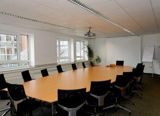 Choosing a Projector Rental Company