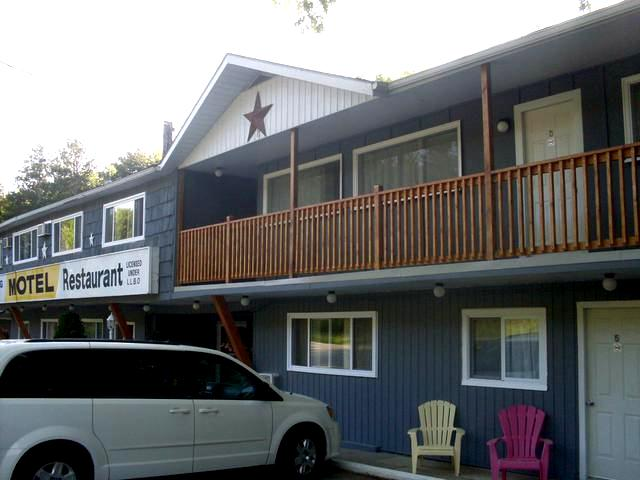 The Whispering Pines Motel in Grand Bend on Lake Huron