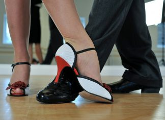 Dance Classes for Adults & Social Dance Club in Toronto