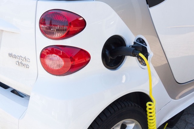 More electric vehicle charging stations in Ontario