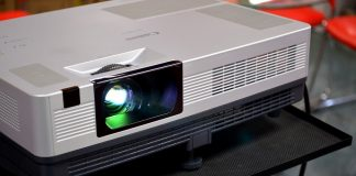 Why Should a Person Rent a Projector?
