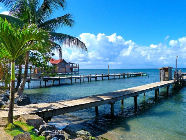 Warm Winter Vacations Honduras