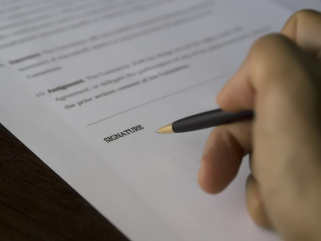 Consumer protection: before signing a contract