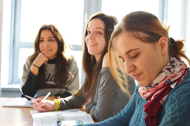 Non-repayable Ontario Student Grant starts in 2017-18 academic year