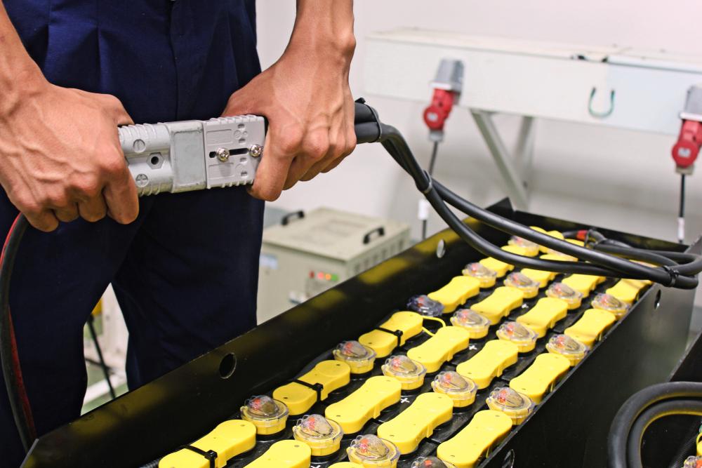 Forklift Battery Repair vs. Replacement – Expert Advice AllOntario