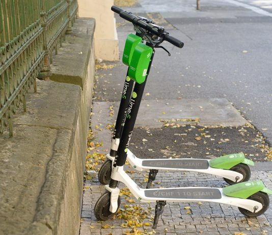 Electric Scooters are allowed on Ontario roads from January 1 - 2020