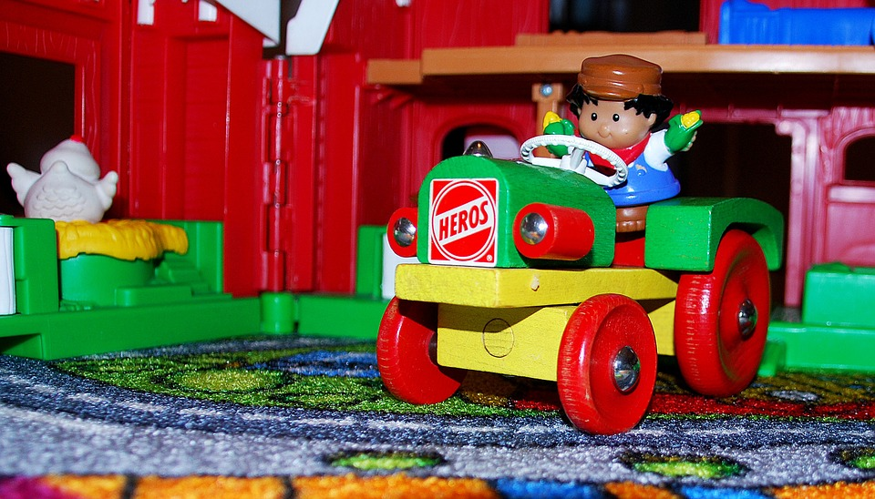 7 Advantages of Using Wooden Toys for your Children