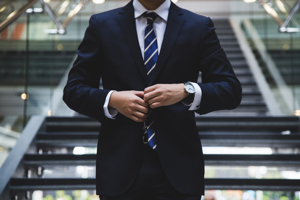 6 Tips for Career-Savvy Professionals to Achieve Their Career Goals